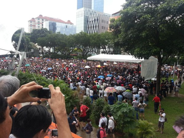 """Pic stolen from Say """"No"""" to an overpopulated Singapore facebook page"""