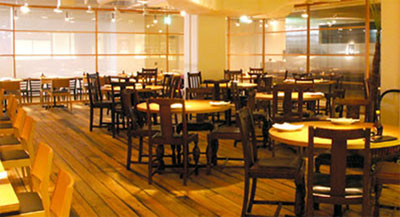 Gastrobar, Fella Tio, aims to draw civil servants to its premises by making its waitresses dress up in Cecilia Sues likeness.